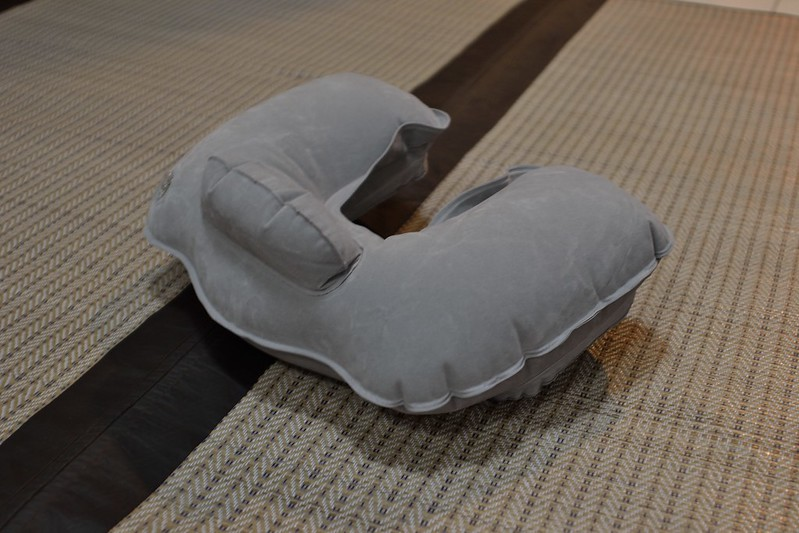 Almohada-de-viaje-inflable