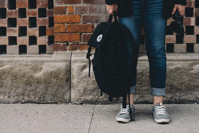 zapatos-para-viajar-con-bolso
