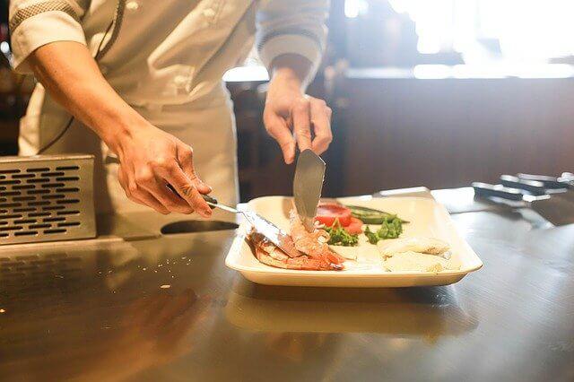 chef in restaurante