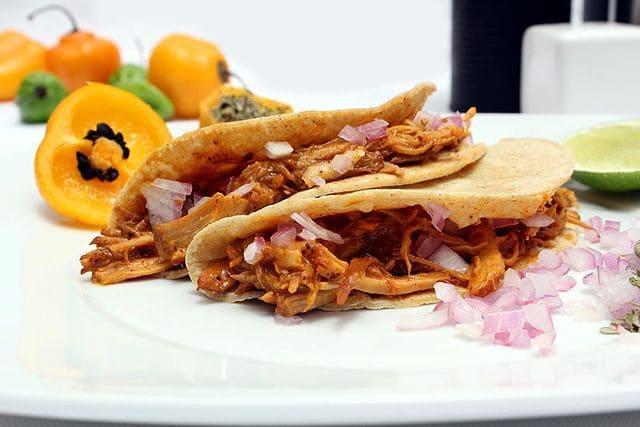 Tacos-de-cochinita-pibil