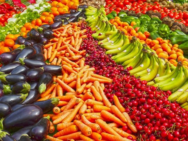 Como-se-diferencian-y-asemejan-las-frutas-y-verduras-nutricionalmente